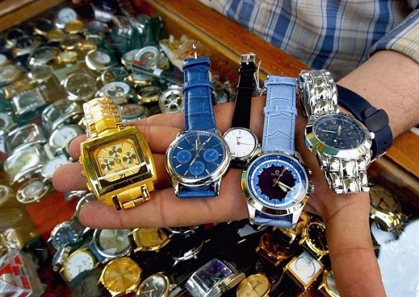 Tại sao không nên đeo đồng hồ Fake